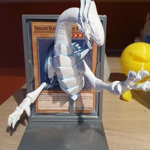 20201027_185351.jpg Download free STL file Blue-Eyes White Dragon with stand • 3D printing object, Syndael
