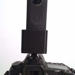 IMG_3305.jpg Download free STL file Support Ricoh Theta S sur griffe flash Reflex • 3D printer object, stereoxfr