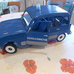CIMG9317.JPG Download STL file RENAULT 4L BODY AND CHASSIS • 3D printable model, MINIALAND57