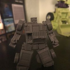 IMG_1936.jpeg Download STL file Corrector: fully articulated and transforming figure • Template to 3D print, prime_prints