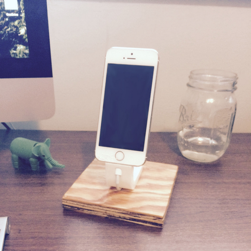 Capture_d__cran_2015-08-05___12.18.54.png Download free STL file The Ess, Apple Lightning Cord Charging Dock for iPhone 5/5S • 3D printing template, ShookIdeas