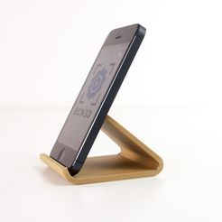 IMG_2820.jpg Download free STL file Universal Phone Stand • Design to 3D print, BCN3D