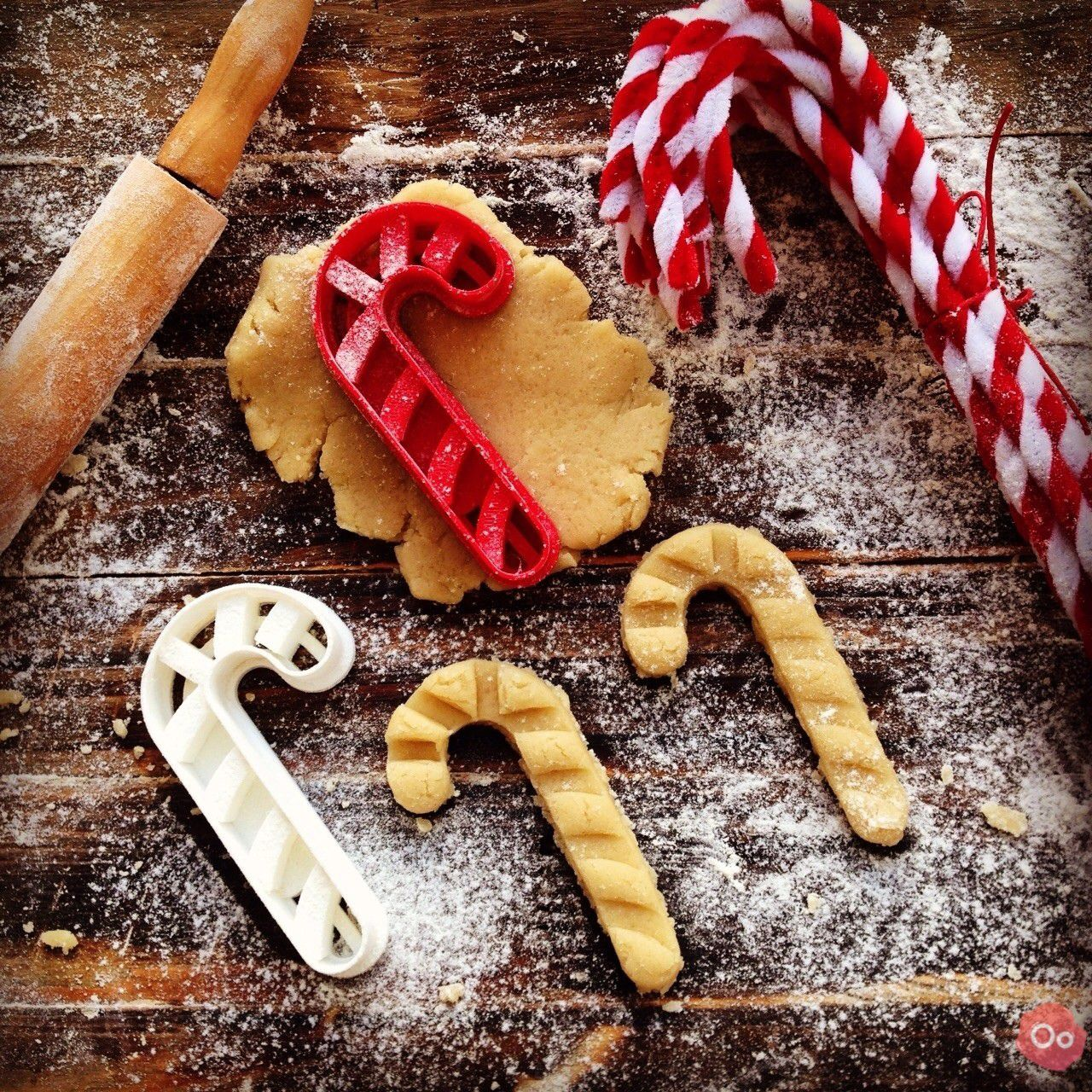 Candy_Cane_Cookie_Cutter_2.jpg Download free STL file Candy Cane Cookie Cutter • Object to 3D print, OogiMe