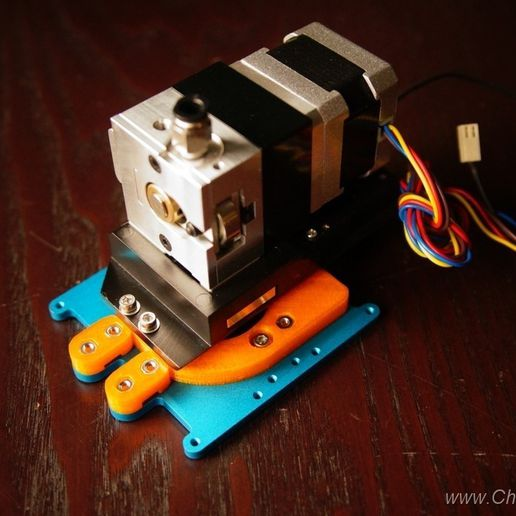 DSC09013.jpg Download free STL file Bulldog Extruder adapter for most carriages • 3D printing template, ChaosModder
