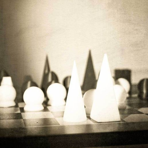 ManRay_ChessSet_oldstyle.jpg Download free STL file Man Ray Chess Set • 3D print template, sim_on